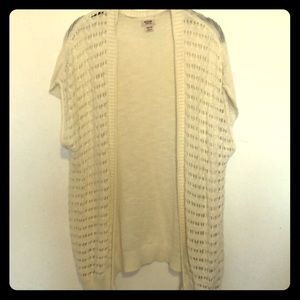 Mossimo cream colored knit short sleeve Cardigan